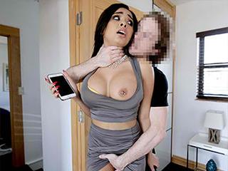 Aaliyah Hadid - Social Media Creeper