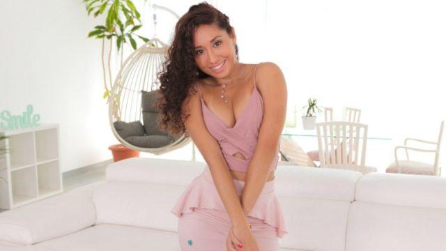 Melody Petite - Hermosas Fotos De Sexo