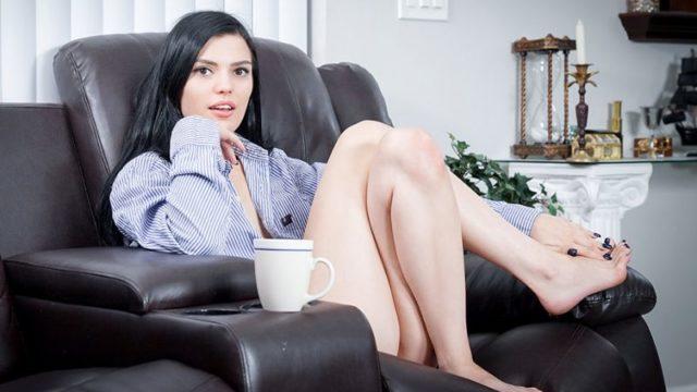 Sadie Blake - Kegels With My Stepsis